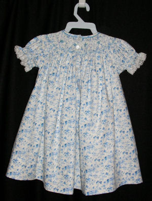 finished smocked dress, back of dress